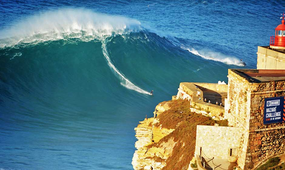 Big Wave Tour Nazaré Portugal