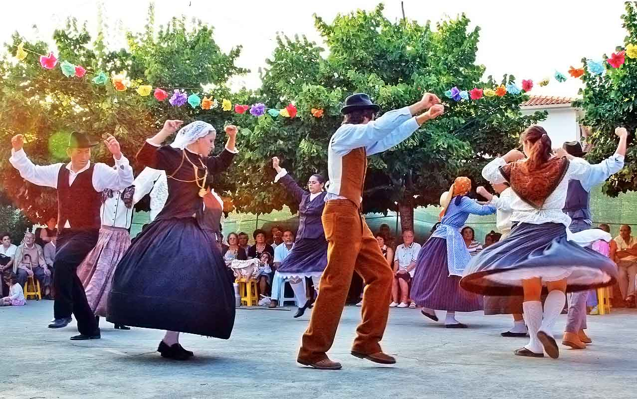 Folk dancing - Portugal